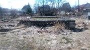 Продам участок у озера 8 соток с фундаментом